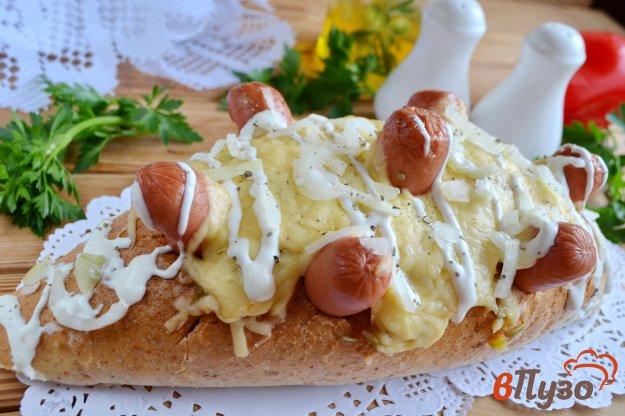 фото рецепта: Хлебный ёжик с сосисками и сыром