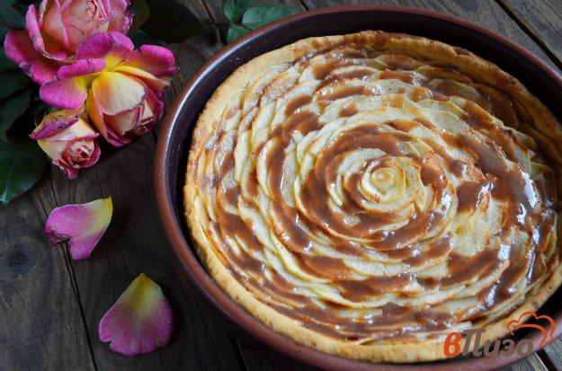 фото рецепта: Карамельный яблочный пирог