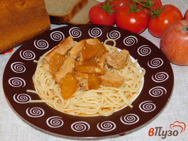 фото рецепта: Свинина, тушеная с яблоками