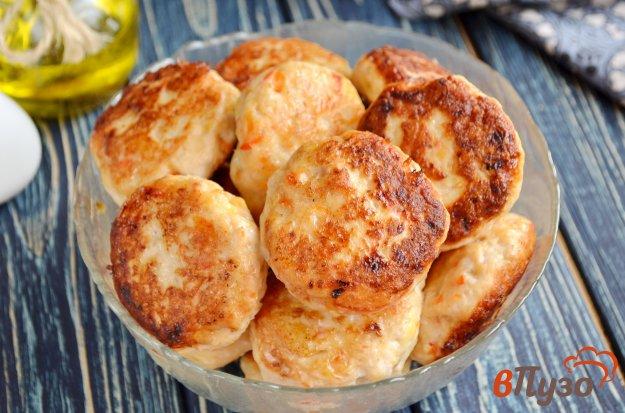 фото рецепта: Котлеты из курицы с сыром и паприкой