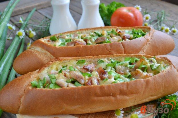 фото рецепта: Лодочки с беконом, яйцом и сыром