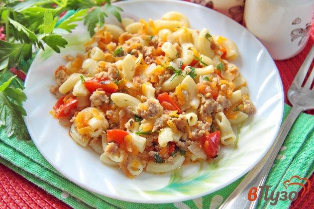 фото рецепта: Макароны с куриным фаршем и овощами в мультиварке