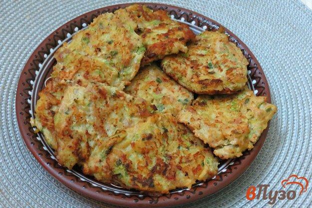 фото рецепта: Оладьи из фарша, кабачков и картофеля