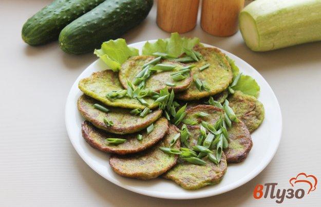 фото рецепта: Кабачково - шпинатные оладьи