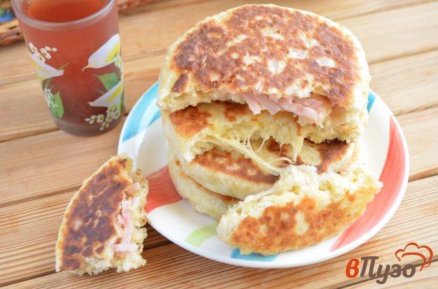 фото рецепта: Сырные лепешки с разными начинками