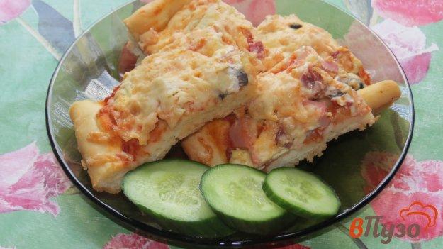 фото рецепта: Пицца с оливками и колбасой
