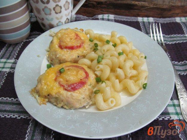 фото рецепта: Гнезда из куриного фарша с перепелиными яйцами