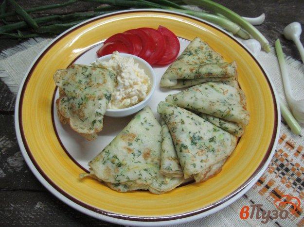 фото рецепта: Кабачковые блины с соусом