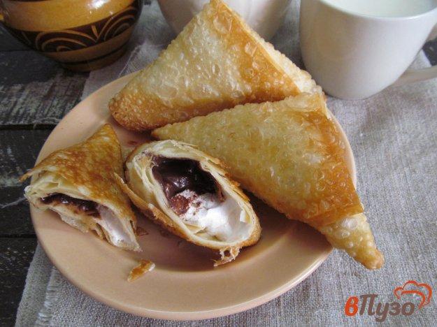фото рецепта: Пирожки с шоколадом и зефиром