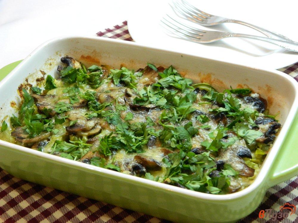 Фото приготовление рецепта: Запеканка из кабачков с грибами шаг №10