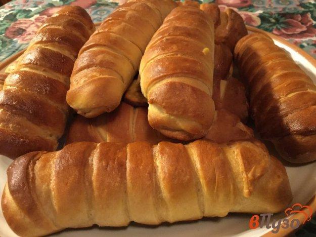 фото рецепта: Закусочные булочки с сыром и ветчиной