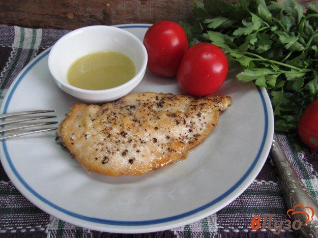 фото рецепта: Куриная грудка под грибным соусом