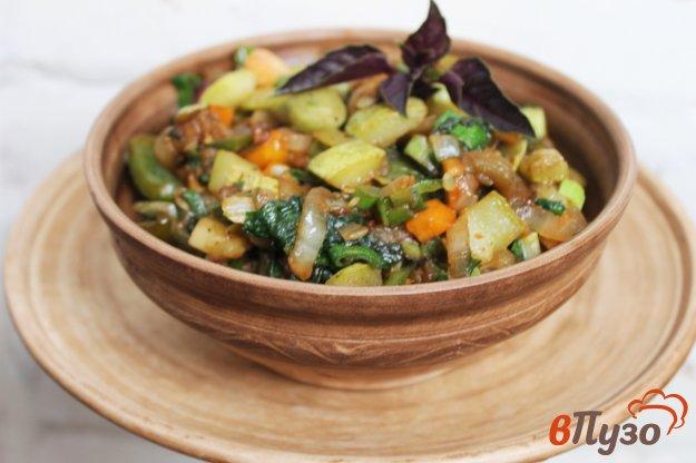 фото рецепта: Рагу из кабачков, грибов и баклажанов со шпинатом