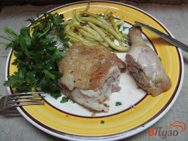 фото рецепта: Куриный окорочок с фасолью в мультиварке