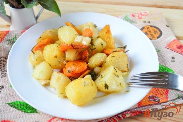 фото рецепта: Картофель с морковью и чесноком в рукаве