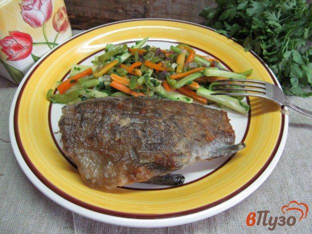 фото рецепта: Жареный линь с овощами