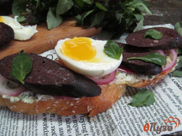 фото рецепта: Бутерброд с кровяной колбасой