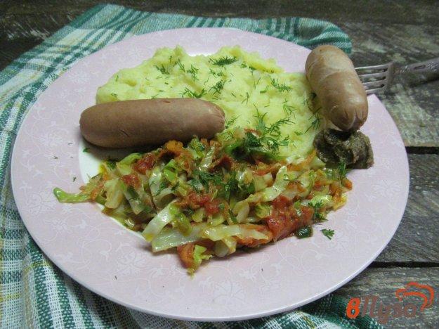 фото рецепта: Картофельное пюре с капустой и сосисками