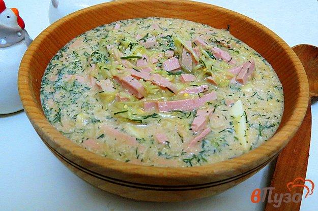 фото рецепта: Окрошка на квасе с колбасой