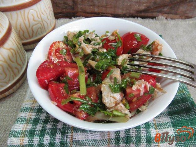 фото рецепта: Салат из мяса курицы с помидором