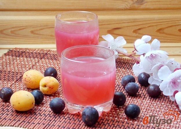 фото рецепта: Кисель из абрикосов и алычи