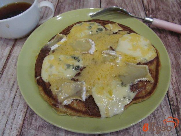 фото рецепта: Сырная лепешка на сковороде