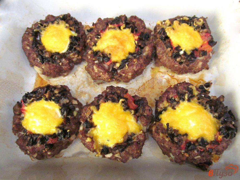 Фото приготовление рецепта: Мясные гнезда с начинкой шаг №6