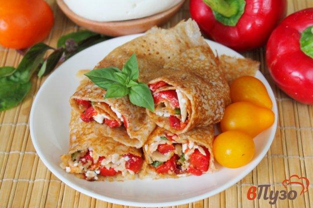фото рецепта: Ржаные блины с печеным перцем и брынзой