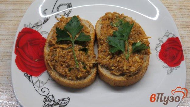 фото рецепта: Бутерброды с килькой