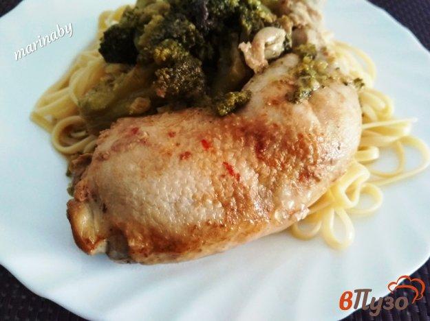фото рецепта: Куриные окорочка с брокколи в мультиварке