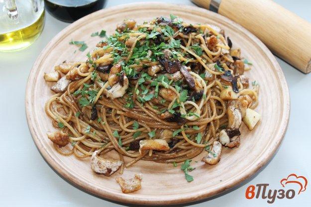 фото рецепта: Спагетти в японском стиле с рыбой и соевым соусом