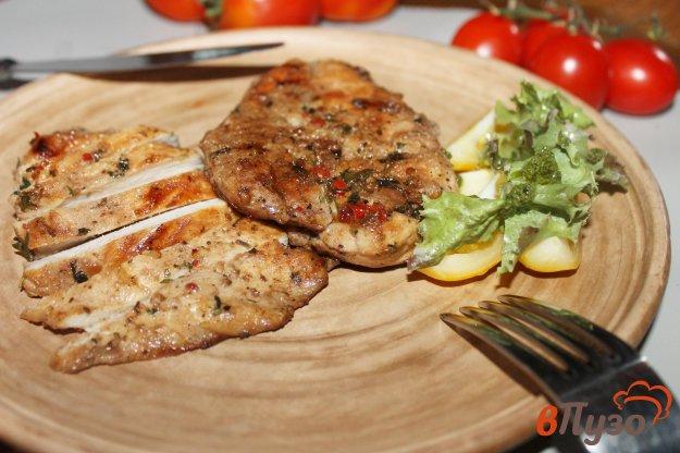 фото рецепта: Куриные стейки с перцем чили