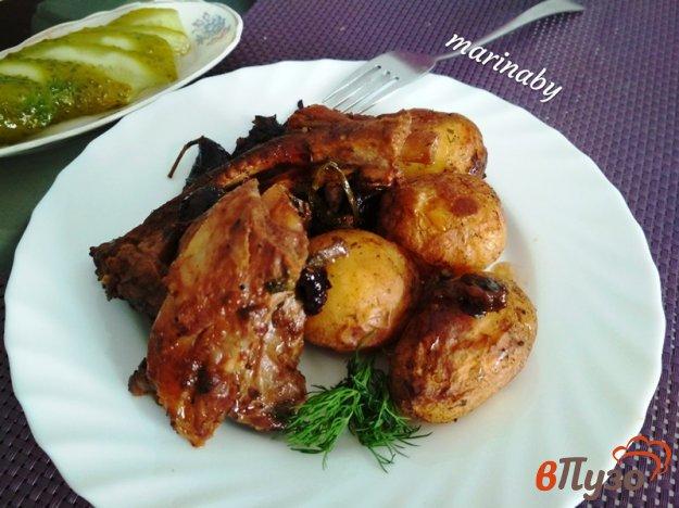 фото рецепта: Свиные ребра с молодым картофелем