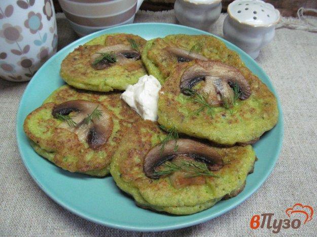 фото рецепта: Оладьи из цветной капусты с припеком