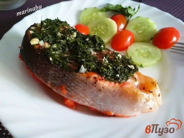 фото рецепта: Стейк из форели с соусом из укропа на овощной подушке