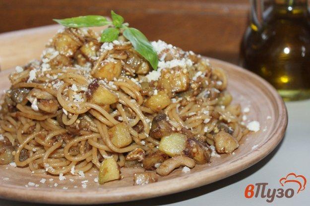 фото рецепта: Паста с морским окунем, баклажаном и кабачком в соевом соусе