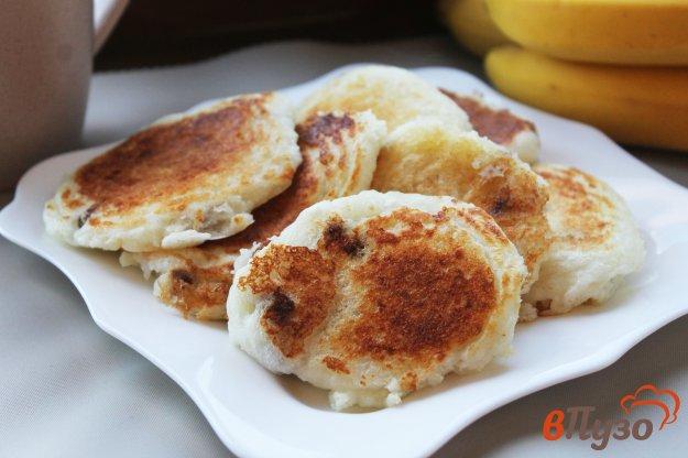 фото рецепта: Творожные оладьи с изюмом