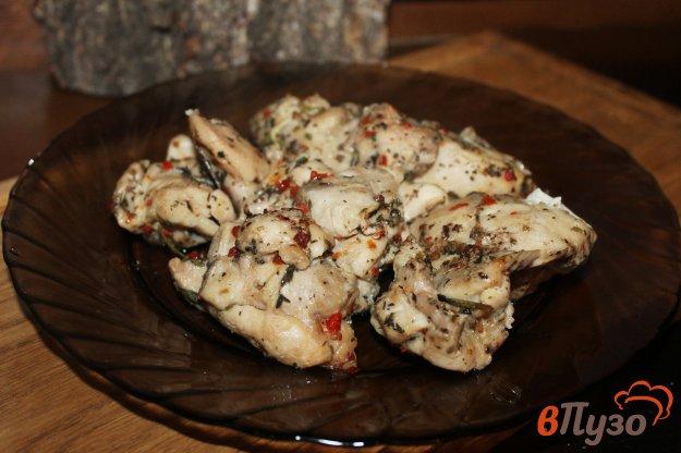 фото рецепта: Запеченные куриные бедра в рукаве с чесноком и приправой гриль