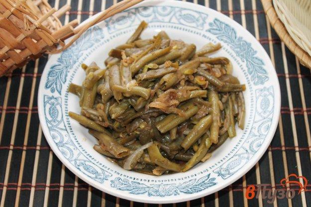 фото рецепта: Гарнир из спаржевой фасоли с луком и чесноком в соевом соусе