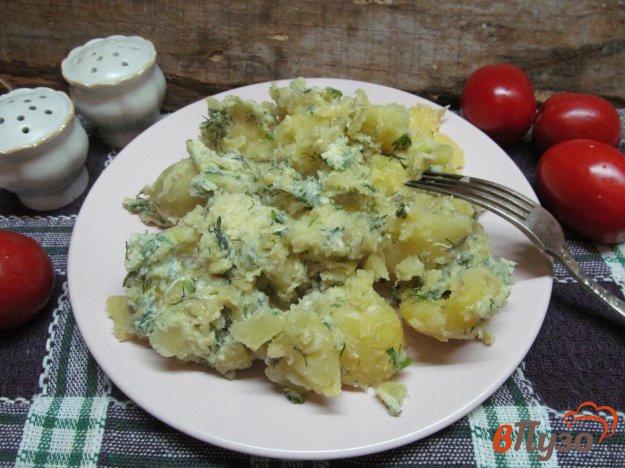 фото рецепта: Сливочный картофель под соусом из сыра и яйца