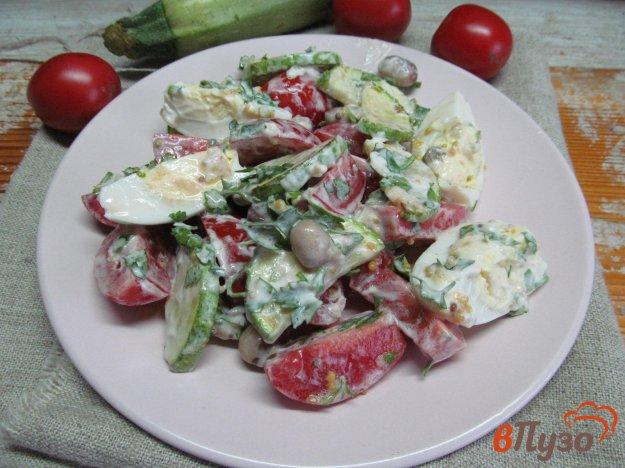 фото рецепта: Салат из помидора с яйцом и кабачком