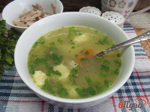фото рецепта: Суп из перепелов с манными клецками