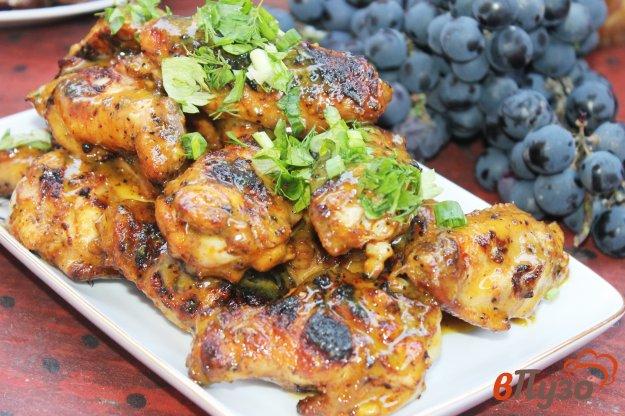 фото рецепта: Куриные крылья гриль в медово - горчичной глазури
