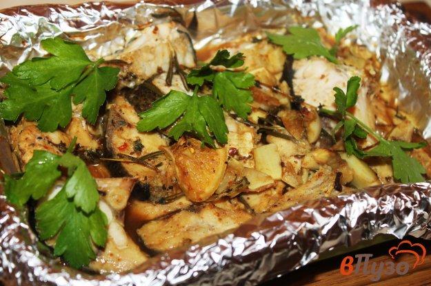 фото рецепта: Толстолобик тушеный в духовке с лимоном и травами