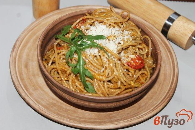 фото рецепта: Спагетти с томатами черри и сыром в томатном соусе