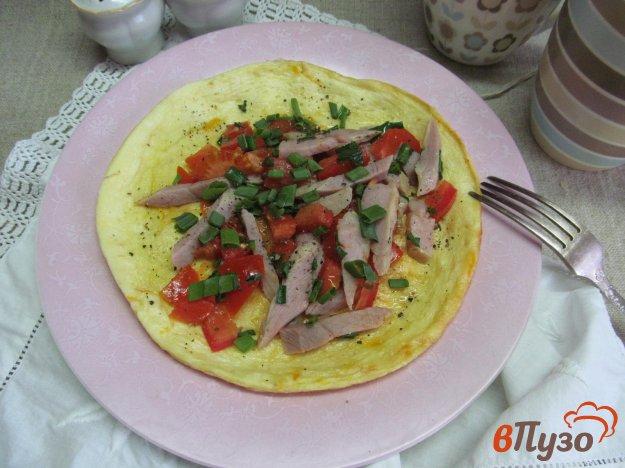 фото рецепта: Омлет с бужениной и помидором