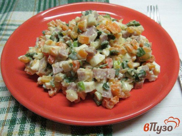 фото рецепта: Салат с морковью и бужениной