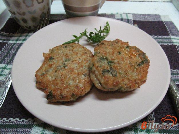 фото рецепта: Картофельно-куриные оладьи с сыром