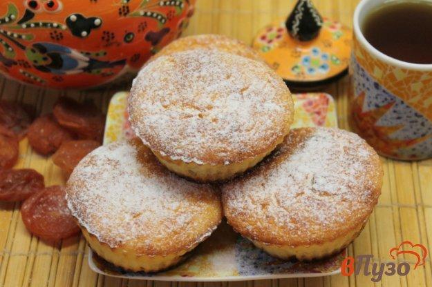 фото рецепта: Творожные кексы с курагой