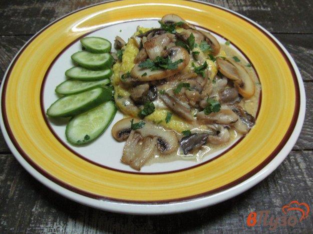 фото рецепта: Полента с грибами и моцареллой